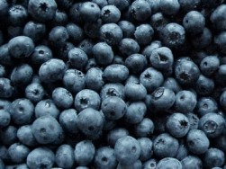 Blueberries are a great addition to salads, quinoa porridge or shakes.