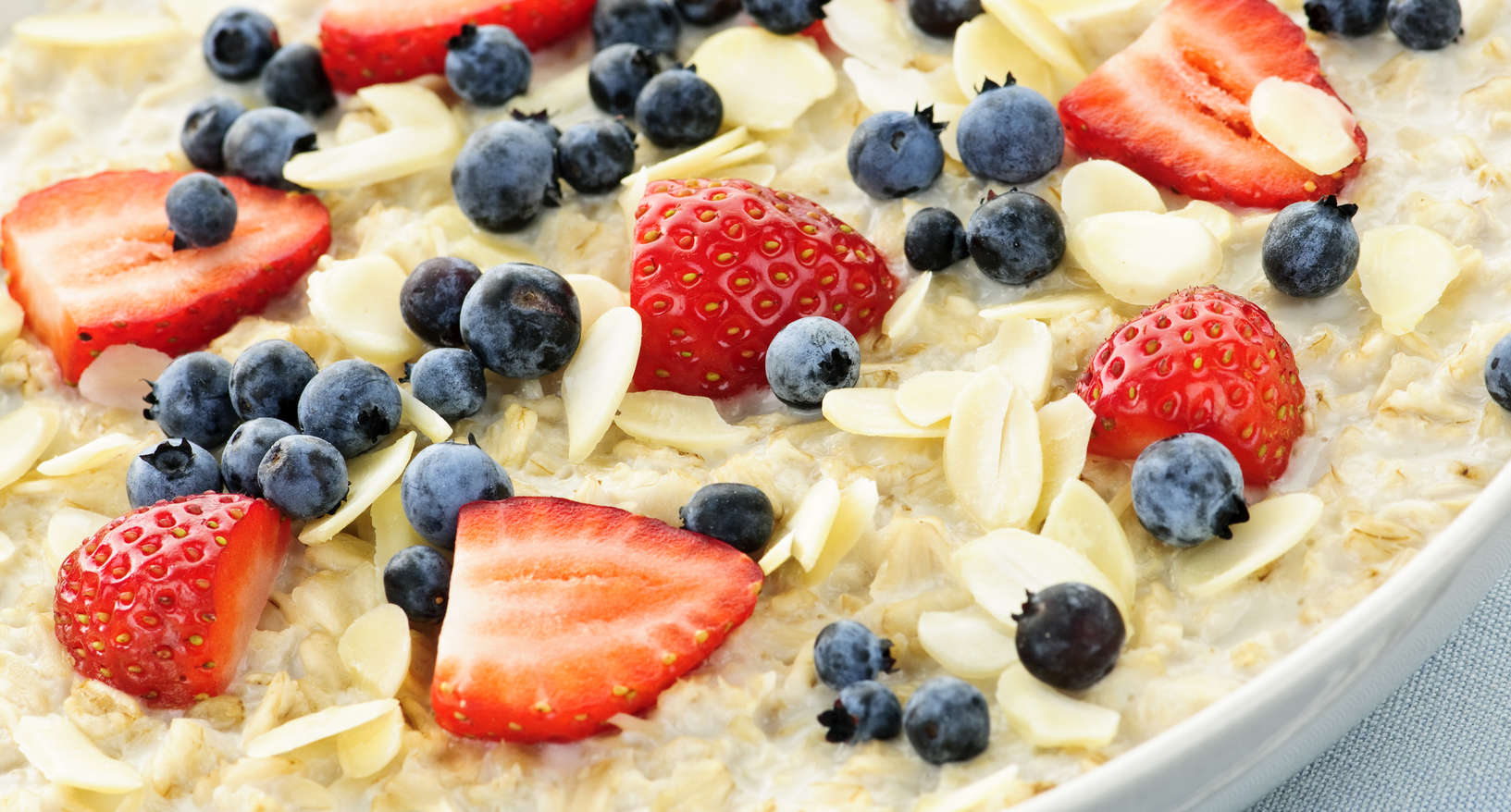 gluten-free oatmeal with fruit is a great solution for diabetics, celiacs and food allergic guests.