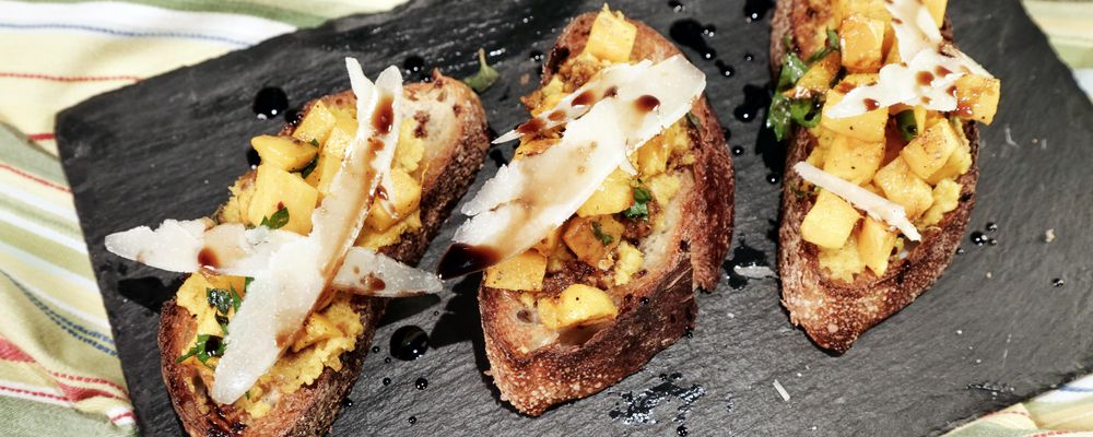 the-chew-pumpkin-bruschetta