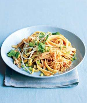 Spicy Coconut Noodles from Real Simple | vegan lunch ideas for meetings