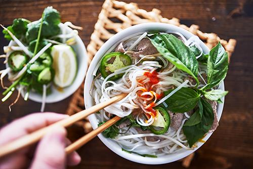 vietnamese pho (rice noodles)