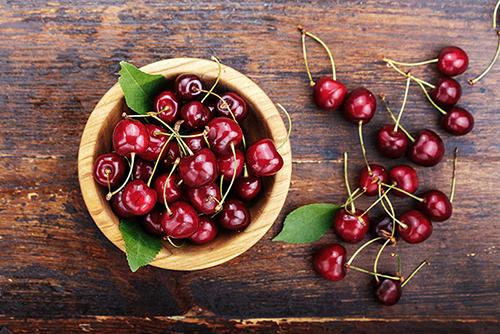Cherries (831626178) thrive!